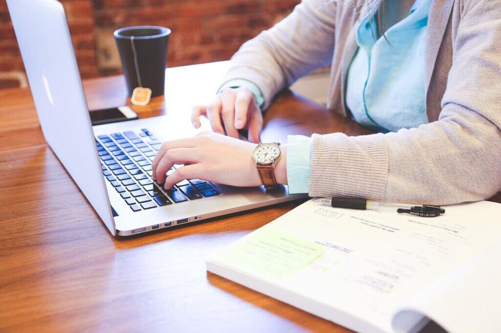 Ley trabajo a distancia. Asesoría jurídica en Zaragoza Cierzo Gestión