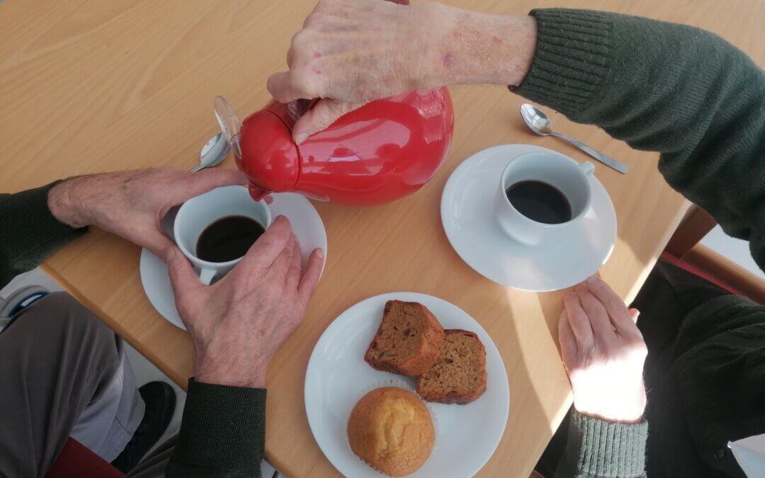 Cuidado de la salud emocional en personas mayores